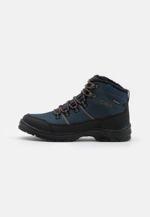 ANNUUK WP - Chaussures de marche - blue ink