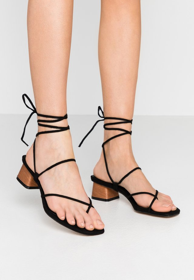 STRAPPY SKINNY - Teensandalen - black