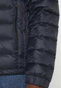 Tommy Hilfiger - PACKABLE HOODED JACKET - Down jacket - desert sky - 4