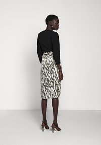 Bruuns Bazaar - TREE VIOLIS SKIRT - A-line skirt - dusty olive/snow white - 2