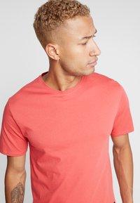 Only & Sons - ONSMATT - T-shirt - bas - cranberry - 3