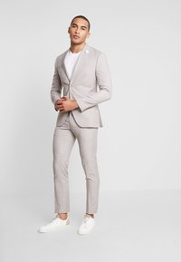 Isaac Dewhirst - WEDDING SUIT LIGHT NEUTRAL - Oblek - beige - 1
