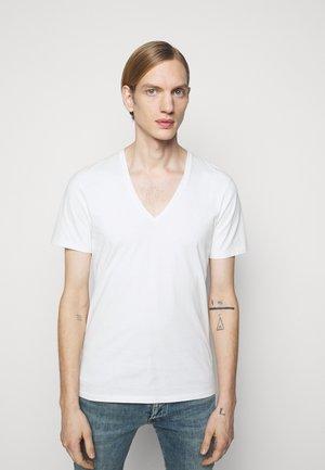 QUENTIN - Basic T-shirt - offwhite