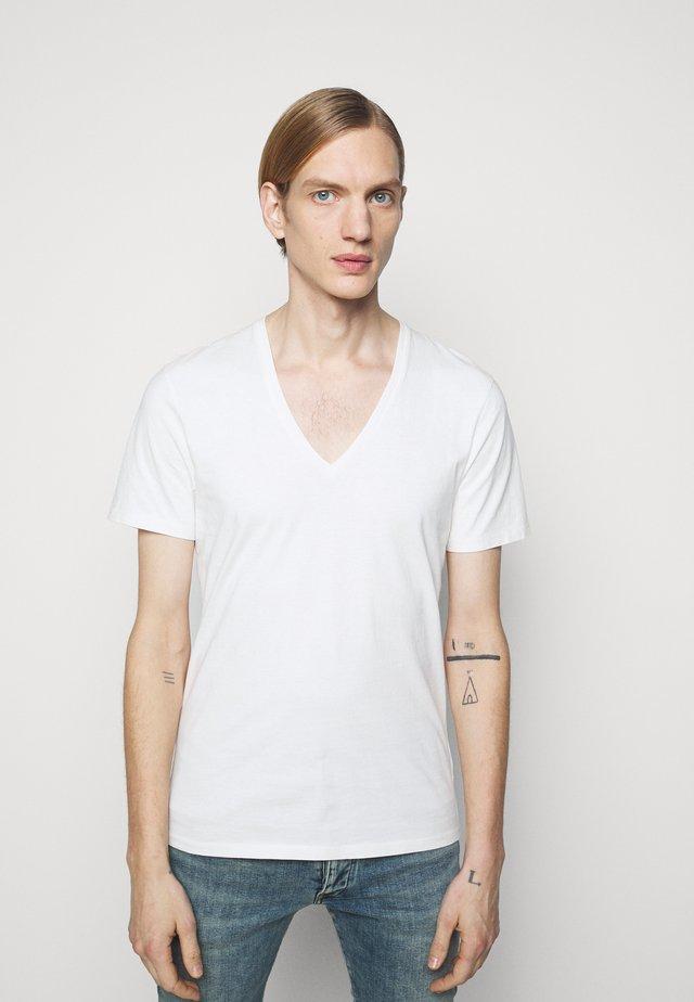 QUENTIN - T-shirt - bas - offwhite