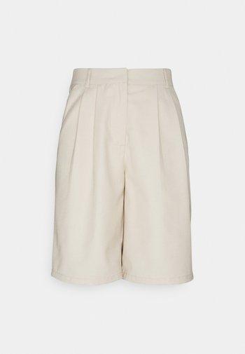 PCLIMOANE BERMUDA - Shorts - birch