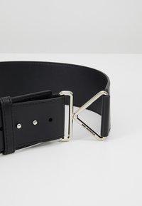 KARL LAGERFELD - KARL TRIANGLE BELT - Waist belt - black - 4