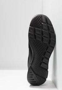 Skechers Sport - EQUALIZER 3.0 RELAXED FIT - Mocasines - black - 4
