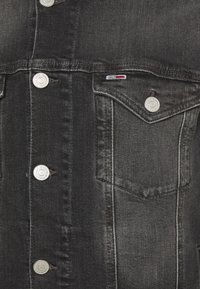 Tommy Jeans - REGULAR TRUCKER JACKET - Denim jacket - denim medium - 2