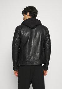 Serge Pariente - RANDALL WITH HOOD - Leather jacket - black - 2