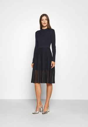 SEE THROUGH SKIRT DRESS - Strikket kjole - blue