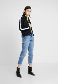 Calvin Klein Jeans - FOUNDATION TRUCKER - Džínová bunda - horizon grey split - 1