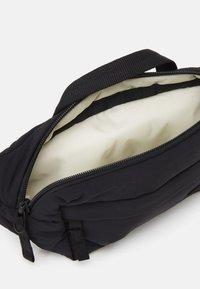 The North Face - CITY VOYAGER LUMBAR PACK - Bum bag - black - 2
