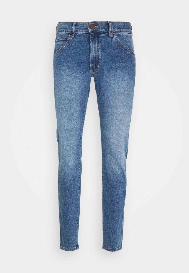 BRYSON - Jeansy Skinny Fit - blue stones