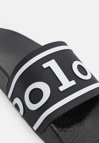 Polo Ralph Lauren - SLIDE UNISEX - Mules - black/white - 5