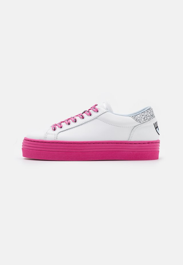 LACE LOGOMANIA - Trainers - pink