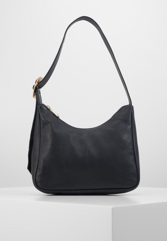 WAXY PRADISA BAG - Handbag - black