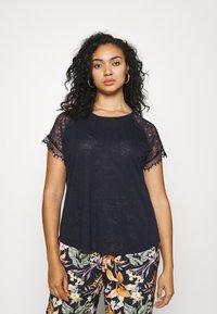 ONLY Carmakoma - CARCELINE MIX - T-shirts med print - night sky - 0