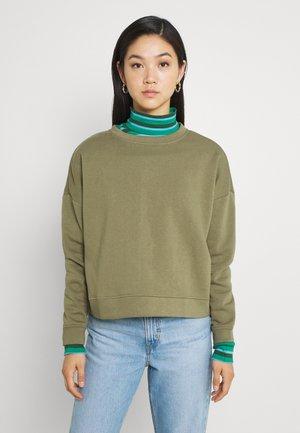 PCCHILLI - Sweatshirt - deep lichen green