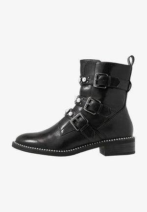 WOMS BOOTS - Biker-/cowboynilkkurit - black