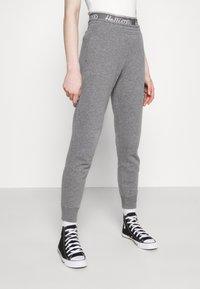 Hollister Co. - LOGO - Teplákové kalhoty - grey - 3