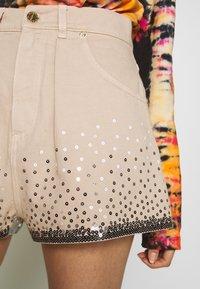 Alberta Ferretti - Denim shorts - beige - 3