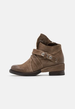 Cowboy/biker ankle boot - tabacco