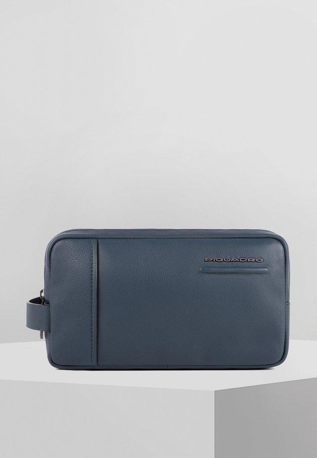 AKRON - Trousse de toilette - blue