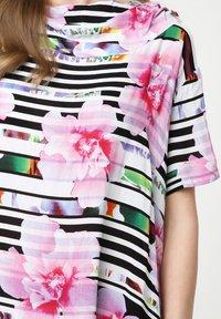 Madam-T - ADELINARA - Maxi dress - weiß rosa - 6
