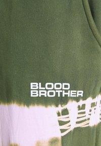 Blood Brother - UNIVERSITY PARK TROUSERS UNISEX - Tracksuit bottoms - khaki - 2