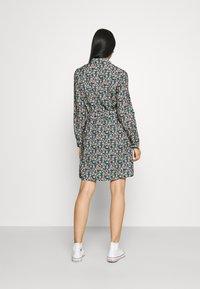 Vero Moda - VMELLIE DRESS  - Shirt dress - ellie - 2