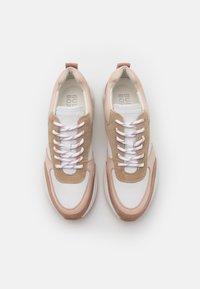 Bullboxer - Sneakersy niskie - pink - 5