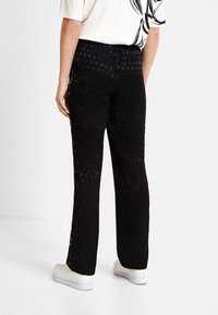 Desigual - Trainingsbroek - black - 2