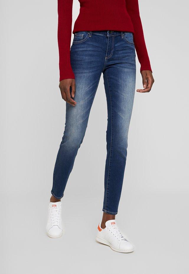 POCKETS - Jeans Skinny Fit - indigo denim