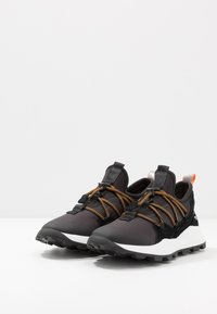 Timberland - BROOKLYN - Sneakersy niskie - black - 2