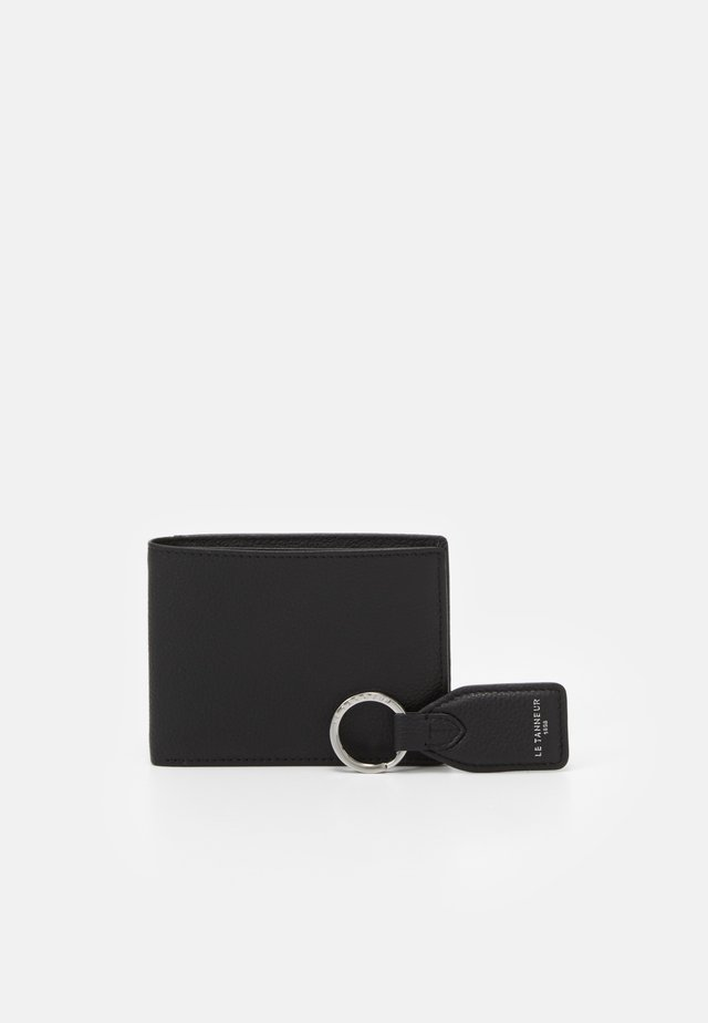 CHARLES BOX WITH KEY RING AND WALLET FLAP POCKET SET - Peněženka - noir