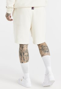 SIKSILK - SPACE JAM RELAXED FIT - Szorty - ecru - 2