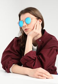 Le Specs - HEY MACARENA - Sunglasses - raw sugar/neon pink - 1