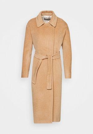 GIORGIO - Zimní kabát - cammello
