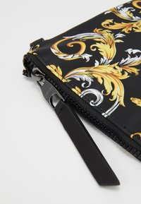 Versace Jeans Couture - MEDIUM POUCH - Pochette - multicolor - 4