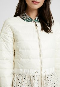 Cream - ADELLA QUILTED JACKET - Overgangsjakker - deep off white - 5
