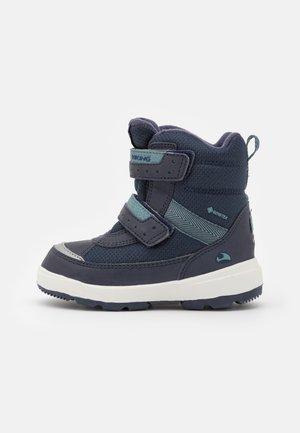 PLAY II GTX UNISEX - Zimní obuv - navy/charcoal