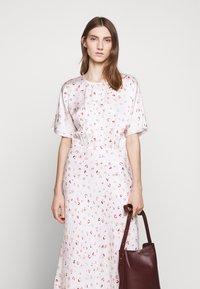 Bruuns Bazaar - MOVE ROSANA DRESS - Denní šaty - white - 5