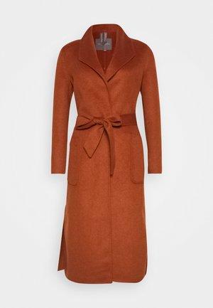 COAT HANDMADE - Płaszcz wełniany /Płaszcz klasyczny - burned umber orange