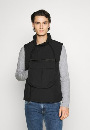 TECH PACK VEST - Weste - black