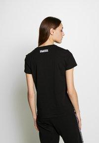 KARL LAGERFELD - ENDLESS - T-shirt z nadrukiem - black - 2