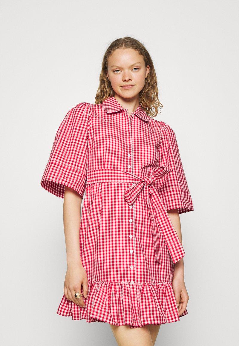 byTiMo - CHECKS KITCHEN DRESS - Shirt dress - red