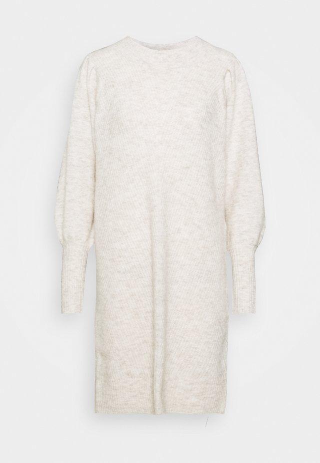SLFLINNA NEW DRESS O NECK - Gebreide jurk - sandshell