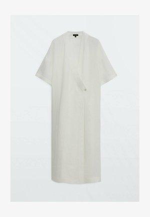 IN WICKELOPTIK - Maxi dress - white