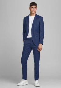 Jack & Jones PREMIUM - SUPER SLIM FIT - Suit trousers - dark navy - 1