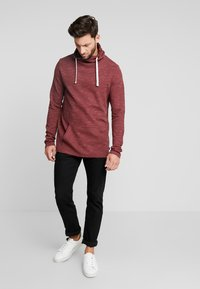 edc by Esprit - FUNNEL NECK TEE - Long sleeved top - bordeaux red - 1